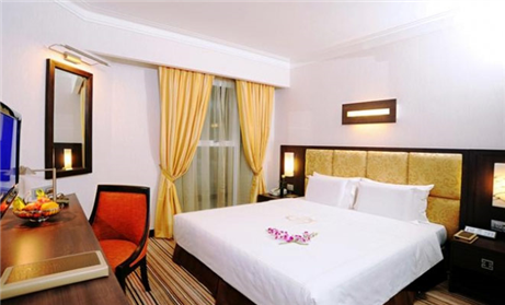 4 Nights at 4 star Silk Path Hotel Hanoi, 3 Rounds of Golf